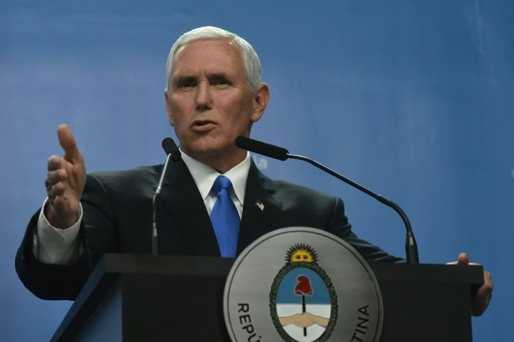 Trump apuesta por una solución pacífica en Venezuela: Mike Pence