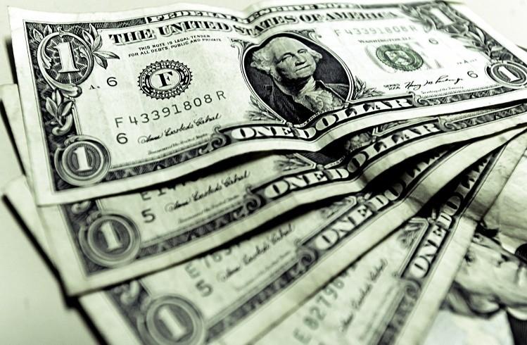 El dólar sube cinco centavos a $ 17,54