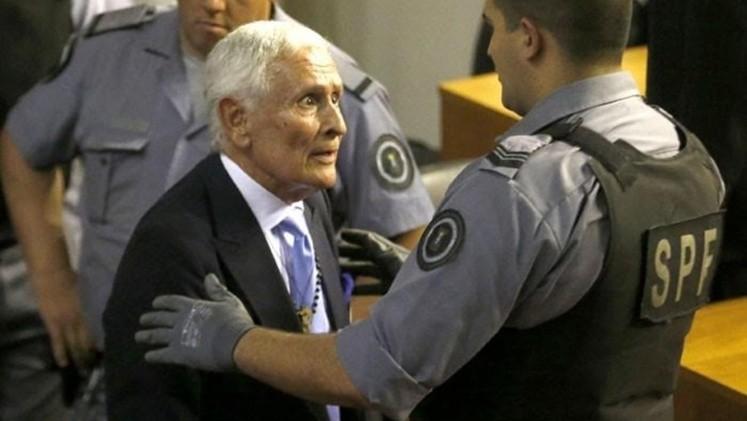 Exoneraron a Etchecolatz ya doce represores más de la Policía Bonaerense