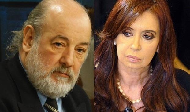 El juez Bonadio unificó las dos causas contra Cristina