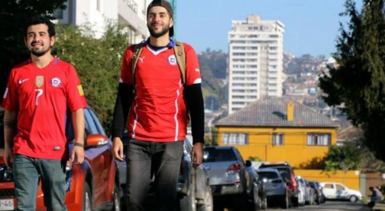 Chilenos se fueron a pie a Rusia antes de quedar eliminados