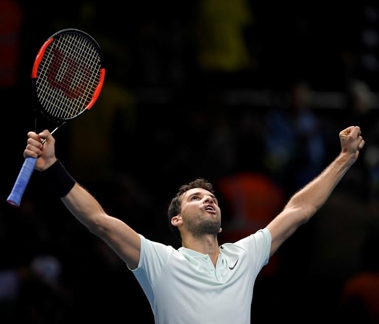 Dimitrov acompaña a Federer en las semifinales