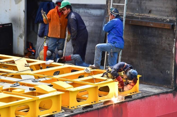 ARA San Juan: el fuerte viento demora un operativo de rescate clave