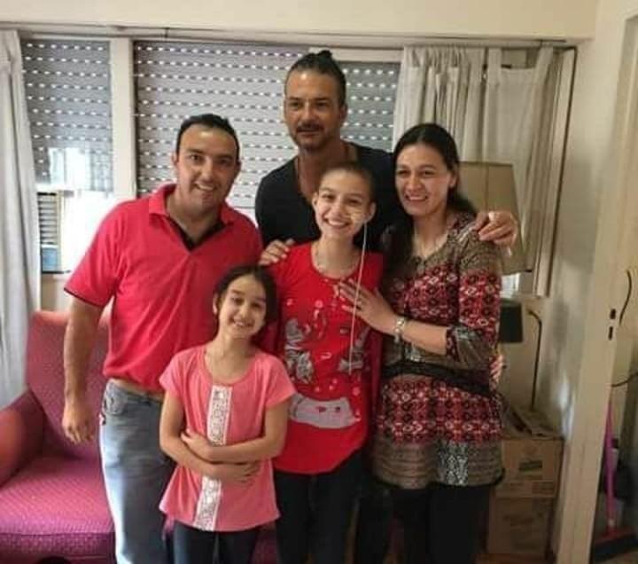 El gesto solidario de Ricardo Arjona: sorprendió a una fan con cáncer