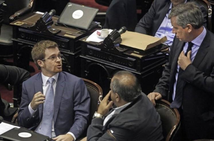 Diputados suspende su sesión para resguardar a Bullrich y Aguad