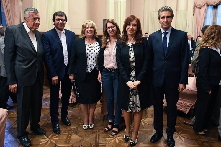 Juró Cristina como senadora y también otros dos ex presidentes