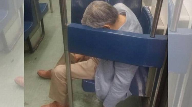 Fallece en el metro mientras viajaba