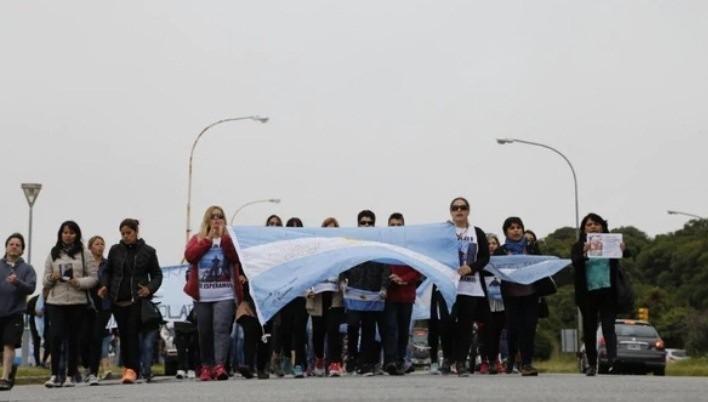 Marcha en Mar del Plata de los familiares de los 44 tripulantes