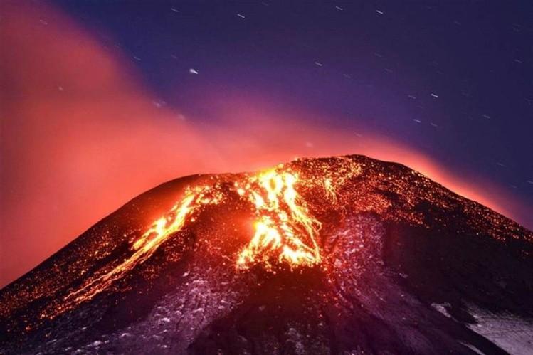 Decretan alerta amarilla por actividad del volcán Villarrica