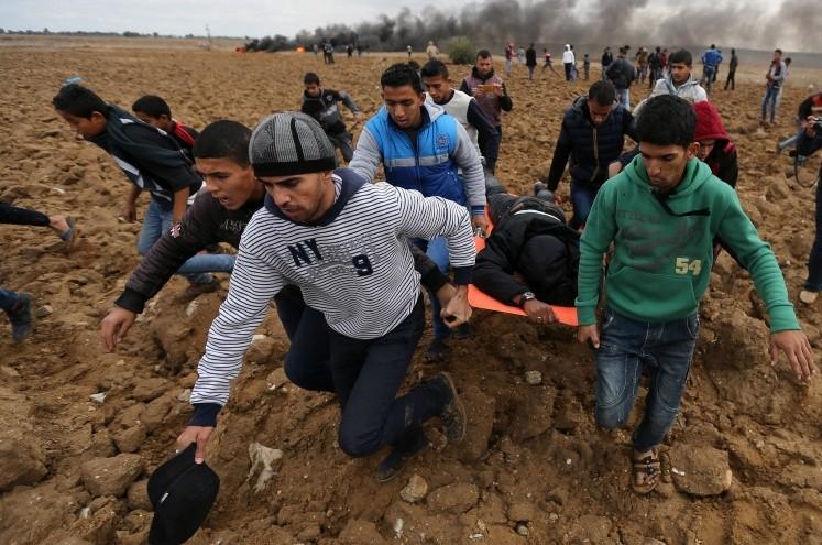 Dos palestinos más mueren en bombardeos aéreos israelíes