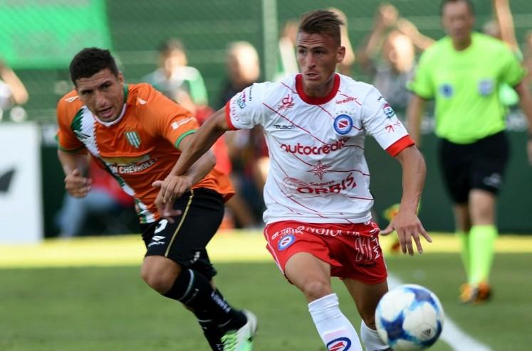 Jara, dos meses afuera... ¿Llega Fabra — Superliga