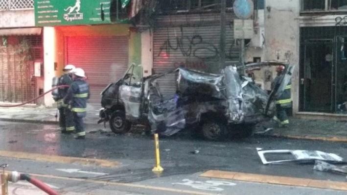 Dudosa explosión de una camioneta en las cercanías del Congreso
