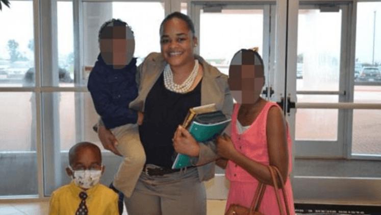 Madre sometió a su hijo a 13 cirugías sin que fuera necesario