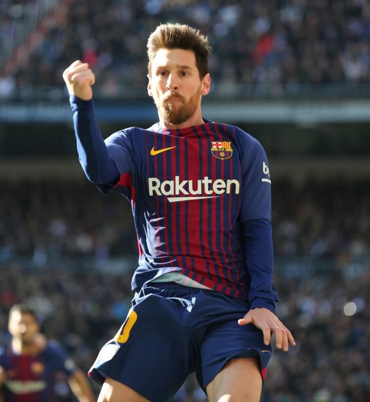 Lionel Messi marca su primer gol del 2018 con un potente zurdazo