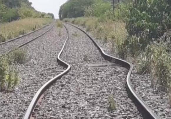 Por el intenso calor, se dilataron las vías del tren Sarmiento