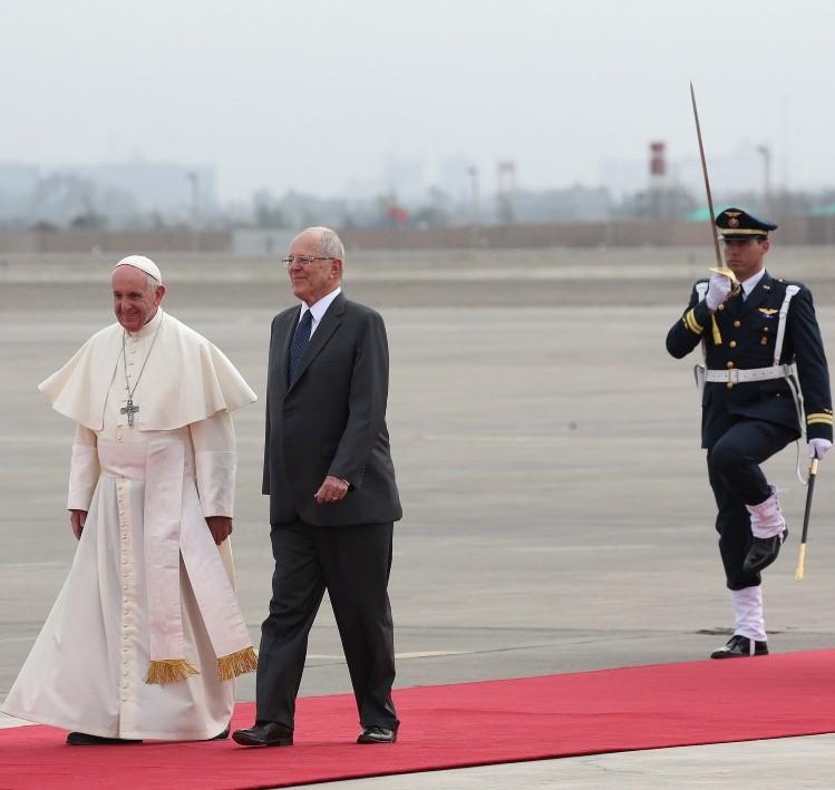 Papa Francisco, pidió a peruanos rechazar la globailización de la indiferencia