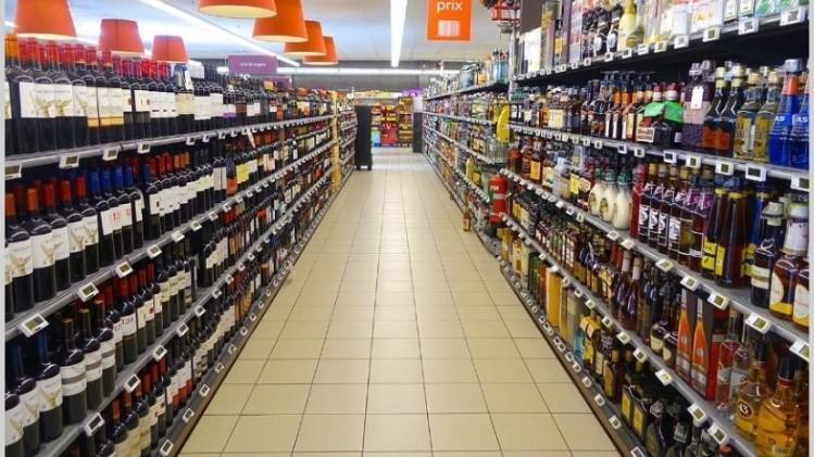 Las ventas en supermercados y shoppings crecieron 1% en noviembre