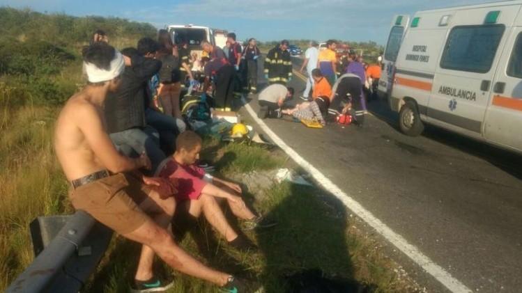 Más de 35 heridos tras el vuelco de un micro en Córdoba