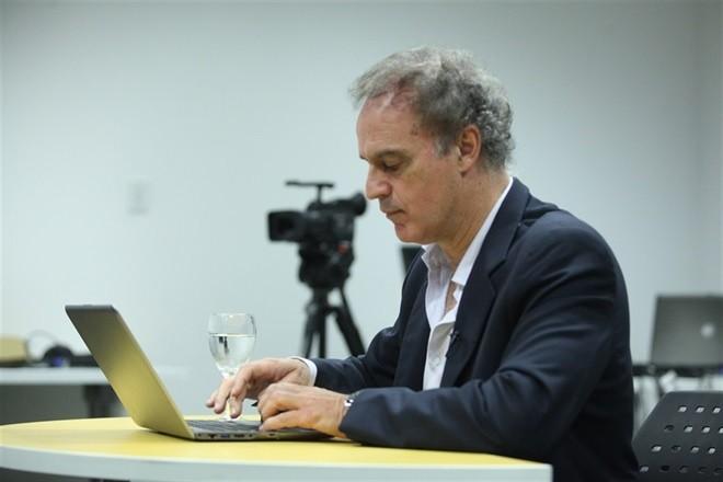 Aníbal Ibarra defenderá a CFK en la causa del Memorándum