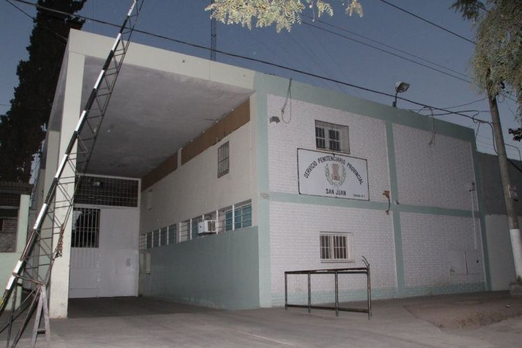 Penal de Chimbas: detienen a tres penitenciarios porque les hallaron cocaína