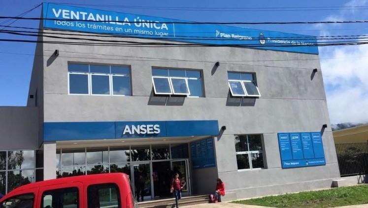 Se podrá pedir el DNI, pasaporte y planes sociales en la Anses