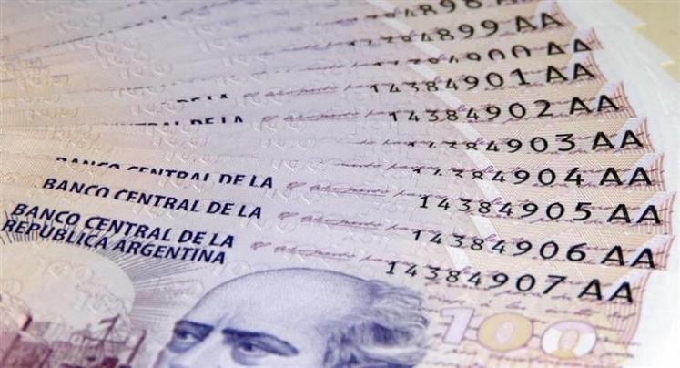 El dólar comenzó estable el miércoles, a 22,90 pesos