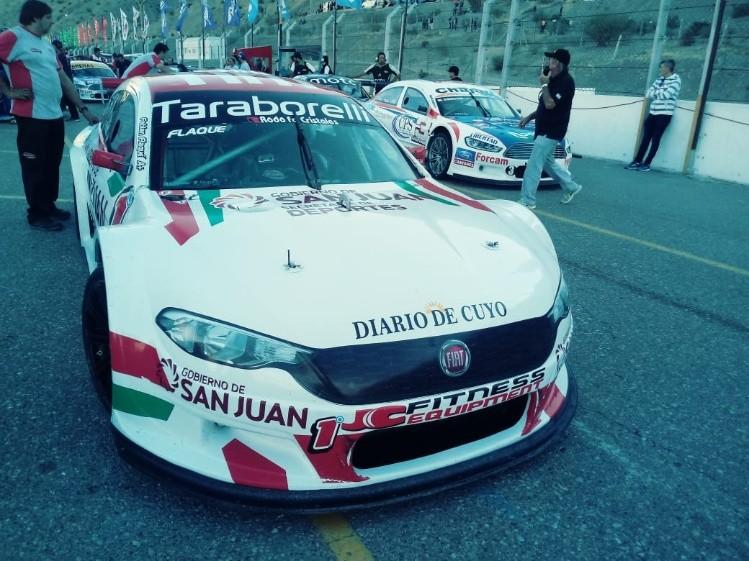 Crusitta ganó y mantuvo la punta en Top Race Series