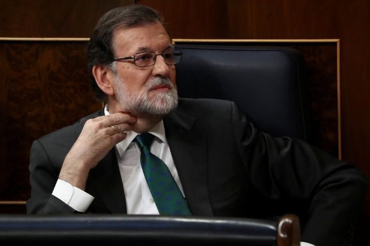 El presidente es expulsado del poder — Conmoción en España