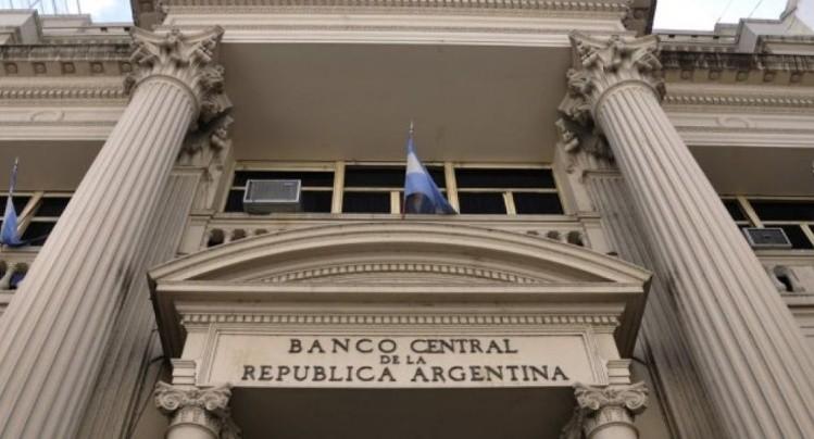 FMI otorga a Argentina crédito de 50.000 millones de dólares