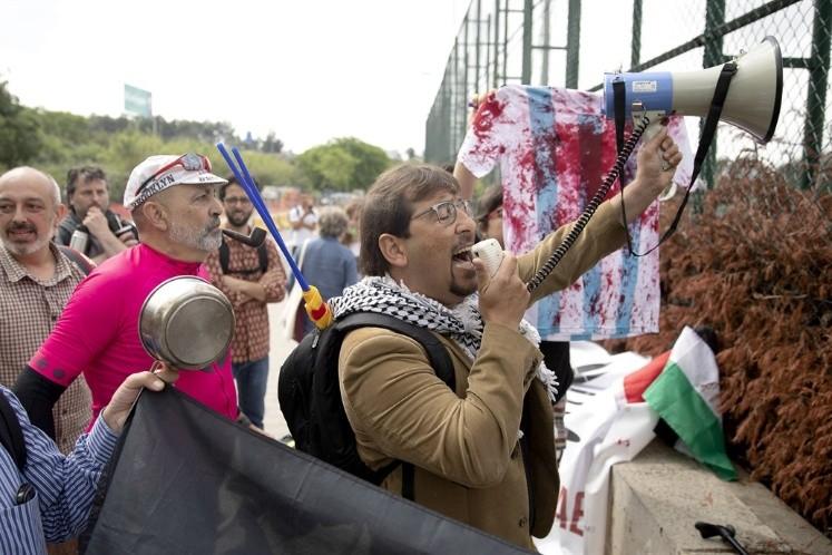 El Gobierno dice que identificó a militantes convocados por las redes en la previa del partido suspendido con Israel.