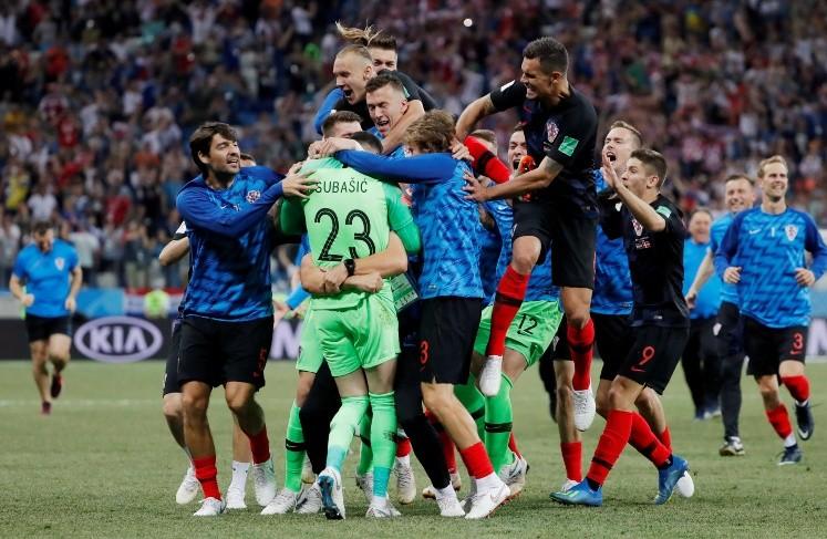 A Modric le atajaron un penal a los 115'. El arquero Subasic fue la gran figura en la definición ante Dinamarca y jugarán ante Rusia