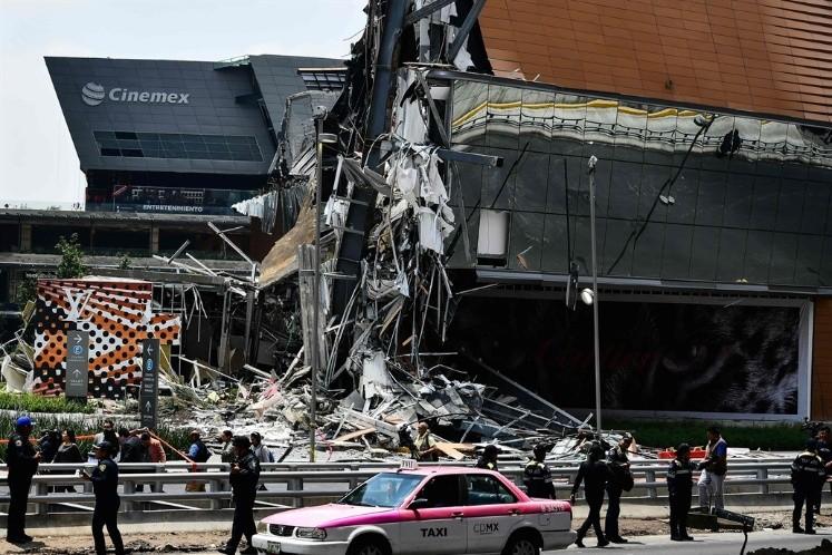 Resultado de imagen para Las impactantes imágenes del derrumbe en un centro comercial de México
