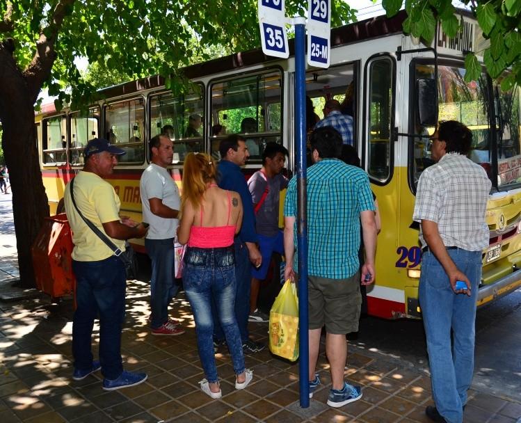paradas de ómnibus en san juan distanciadas