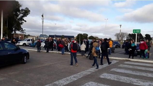 Evacuaron un aeropuerto por