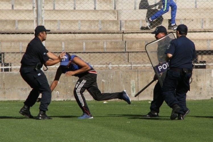 Una magistrada calingastina impidió el ingreso por tres meses a personas que generaron disturbios en  la cancha Horizonte Juvenil.