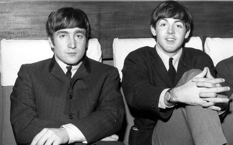 El memorable selfie de los hijos de John Lennon y Paul McCartney