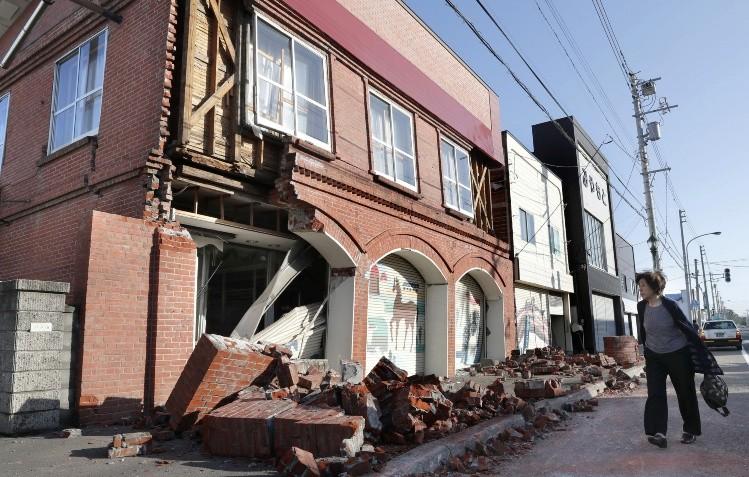 Suman al menos 16 muertos por fuerte sismo en norte de Japon