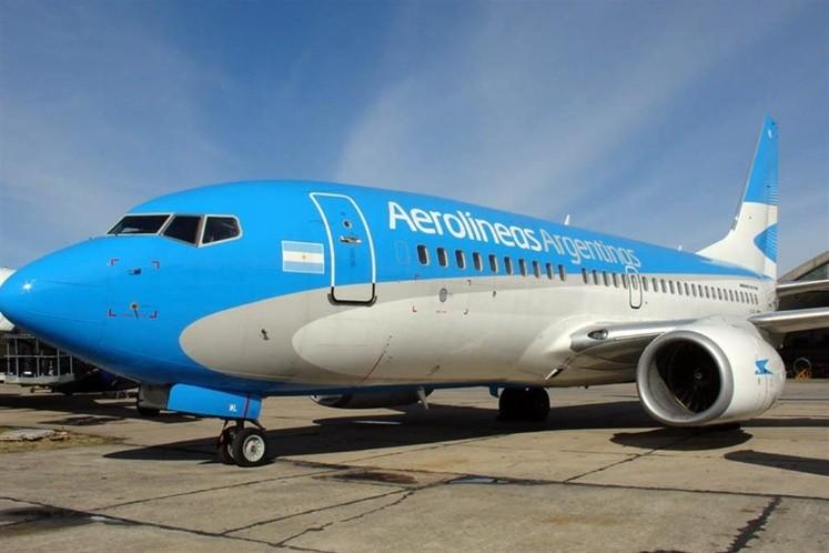 Con motivo del paro, Aerolíneas Argentinas reprogramó los vuelos del lunes