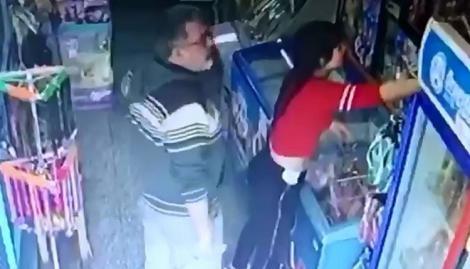 Indignación: una kiosquera fue acosada por un cliente y quedó registrado - Policiales