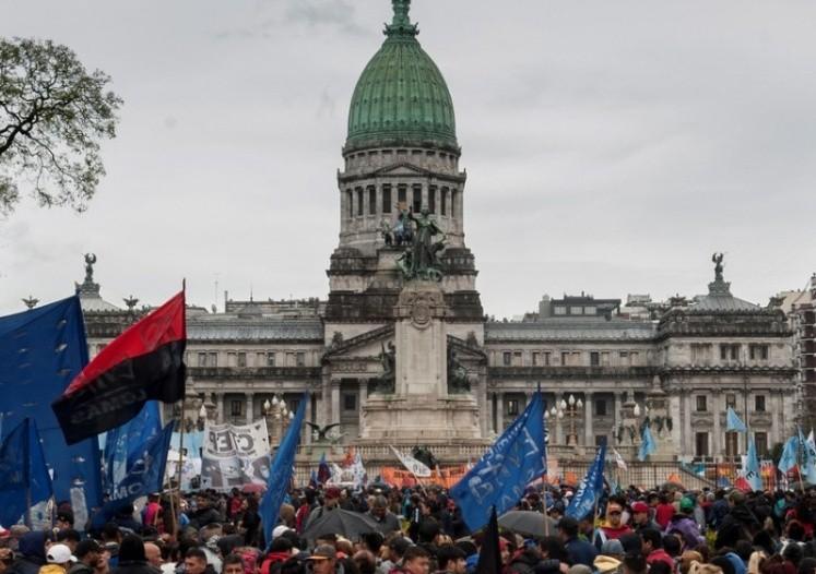 El FMI felicitó a Macri por la aprobación del Presupuesto