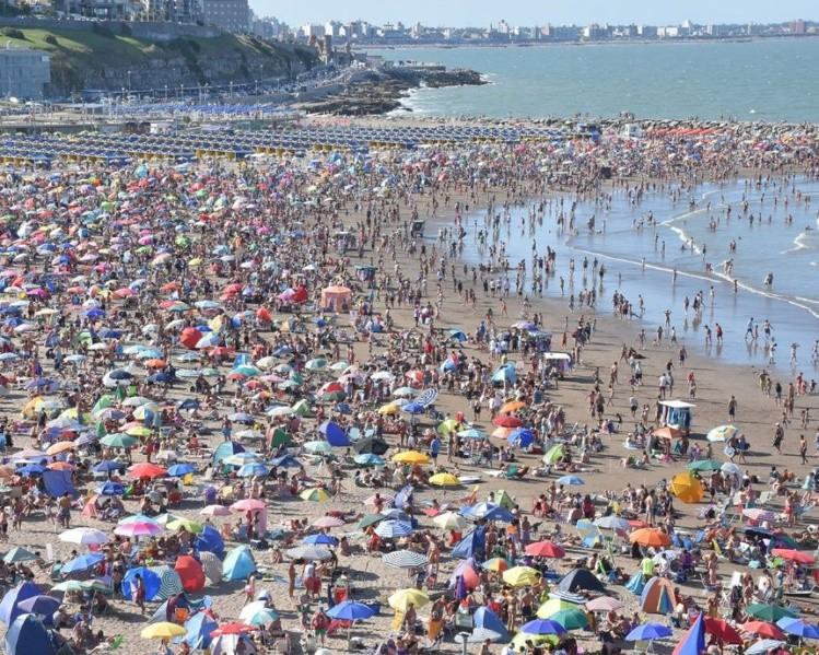 En la costa argentina, Mar del Plata sigue siendo la ciudad que concentra  las preferencias de los veraneantes para la temporada que se avecina. 1d86cf0410