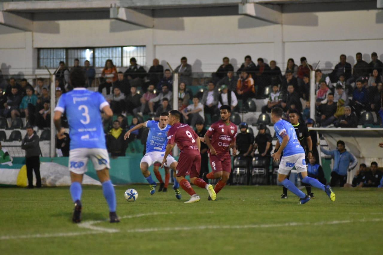 Sportivo empató con Estudiantes de Río Cuarto y sigue siendo escolta - Federal A sportivo desamparados estudiantes de río cuarto
